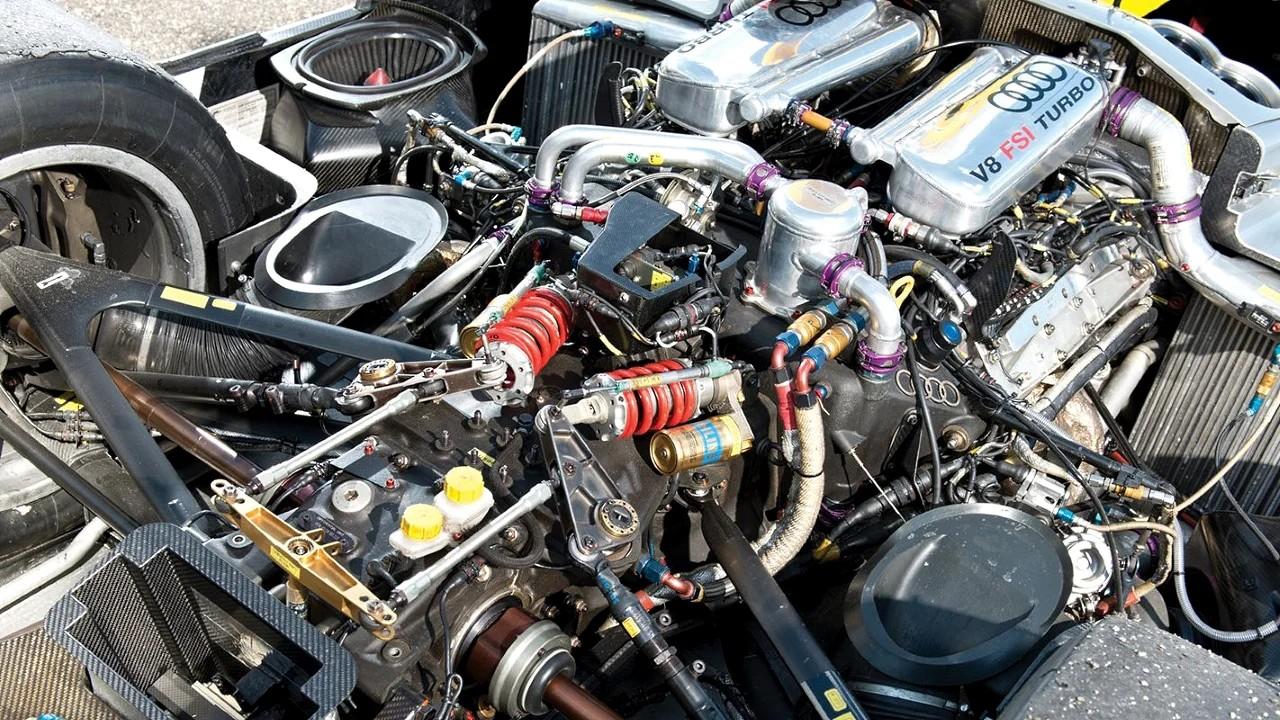 Двигатель Audi 3.6 V8 Twin Turbo FSI