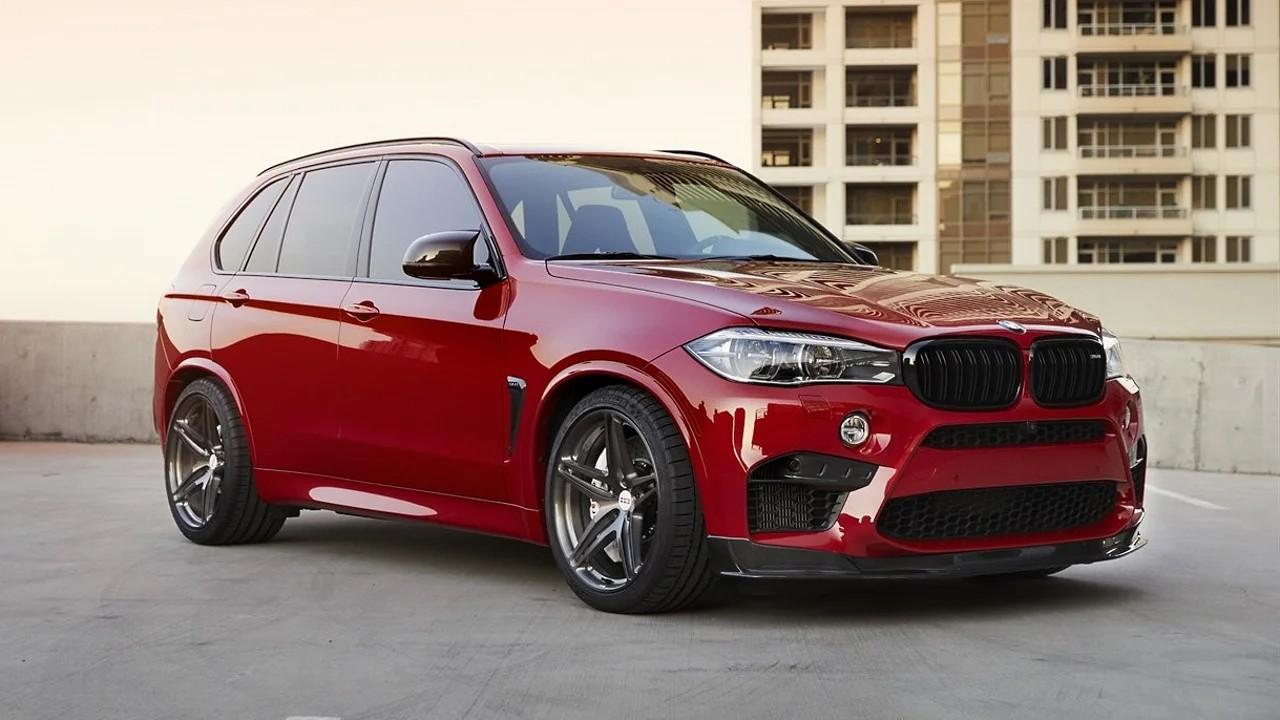 Мощный внедорожник BMW X5M