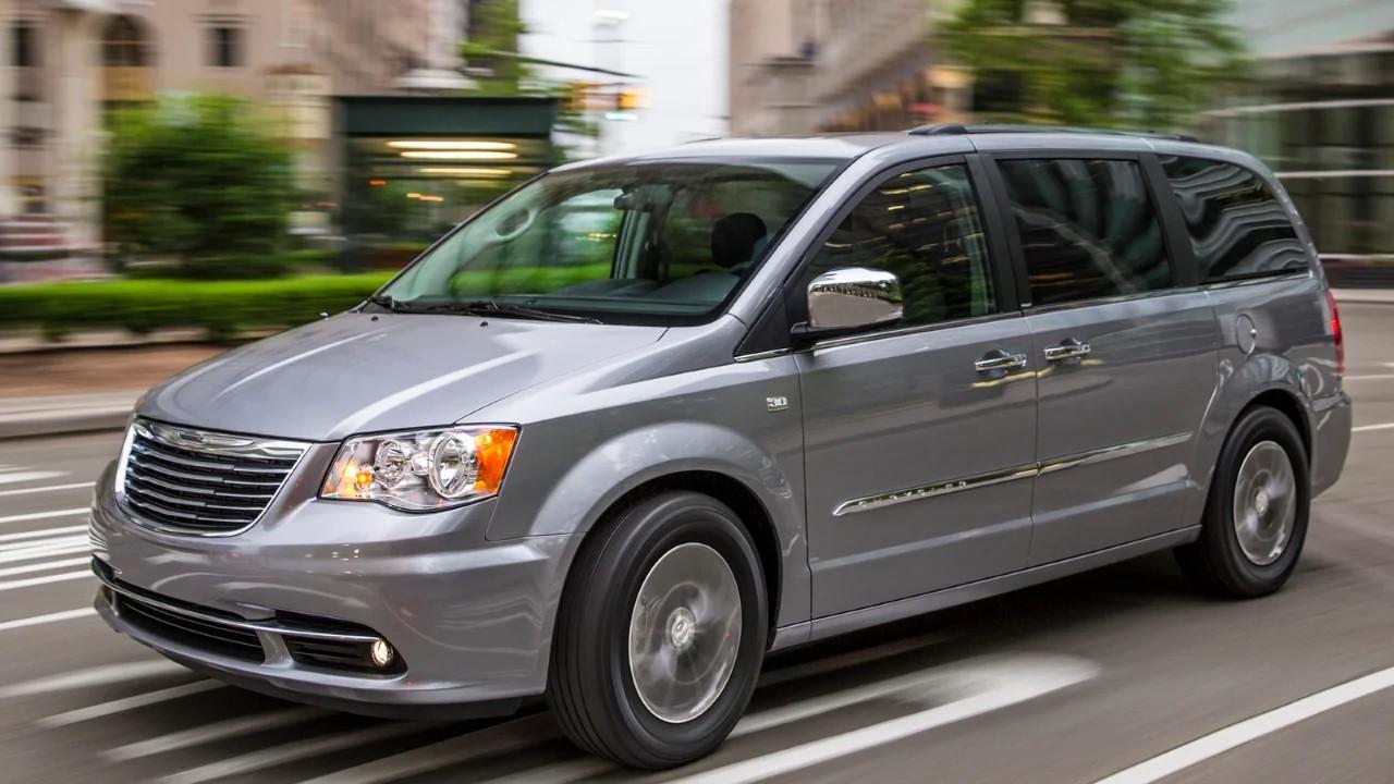 Chrysler Town & Country продано более 12 000 000