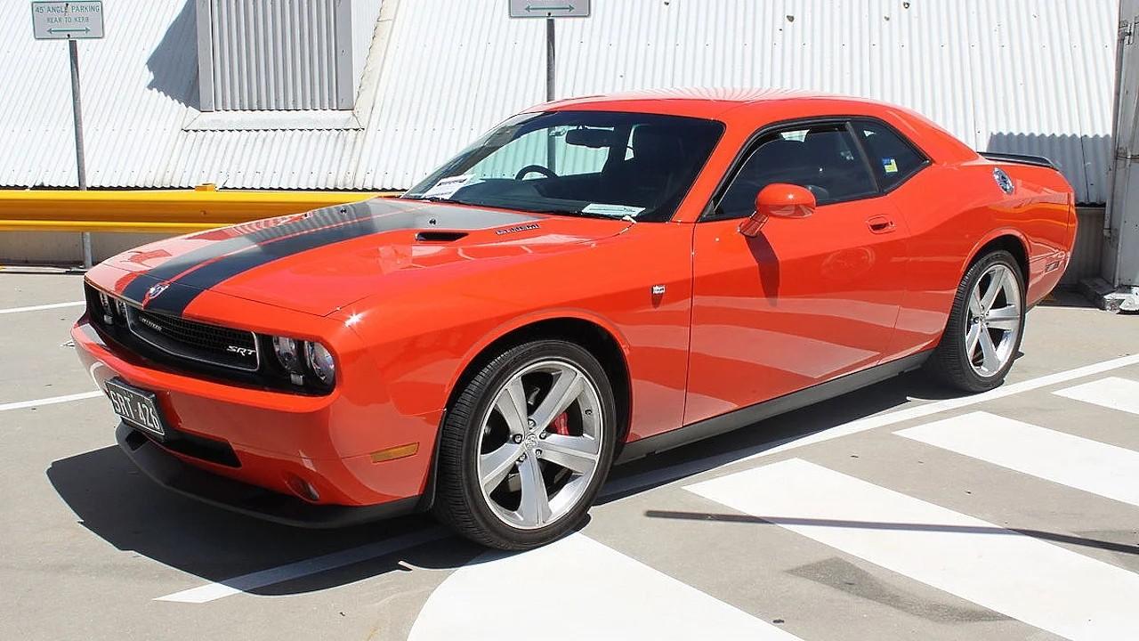 Новый Dodge Challenger с ретро дизайном