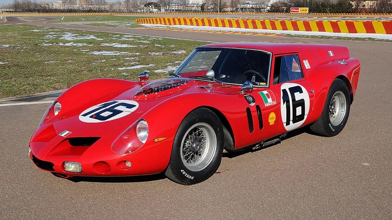 Необычный гоночный автомобиль Ferrari 250 SWB Breadvan
