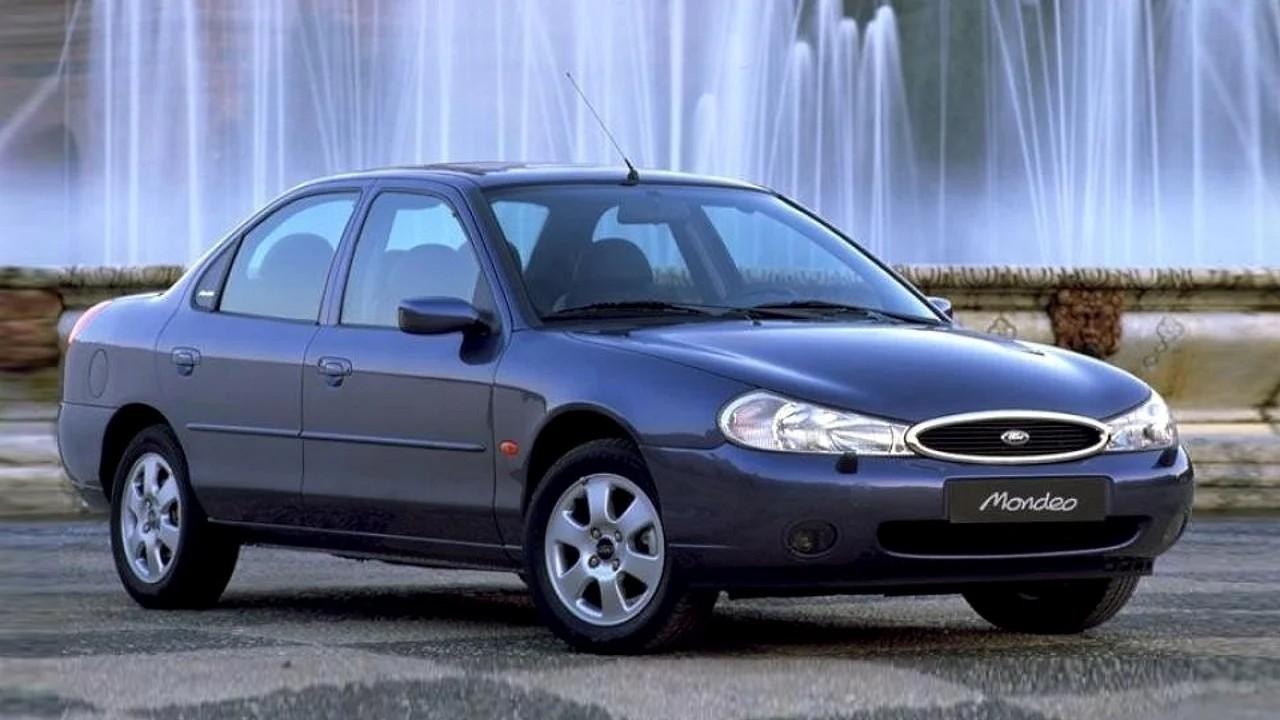 Уродливый автомобиль Ford Mondeo