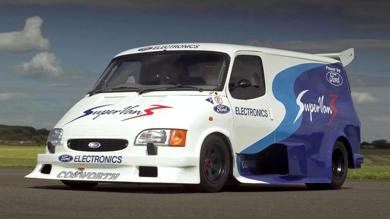 Необычный гоночный автомобиль Ford SuperVan