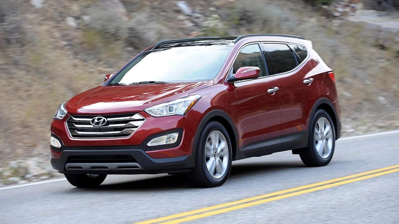 Надёжный среднеразмерный  внедорожник Hyundai Santa Fe Sport