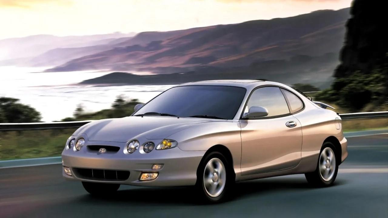 Уродливый автомобиль Hyundai Tiburon