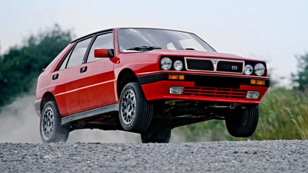 Спортивный хэтчбек Lancia Delta Integrale