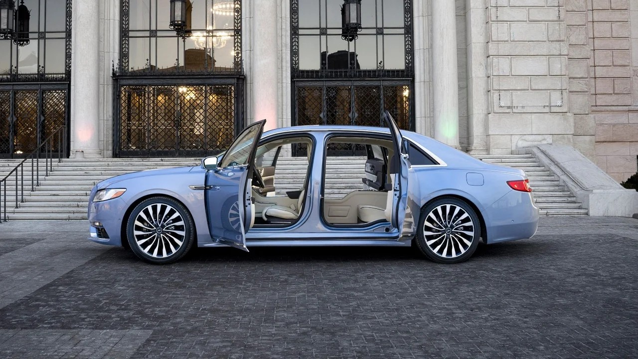 Автомобиль Lincoln Continental с заднепетельными дверями