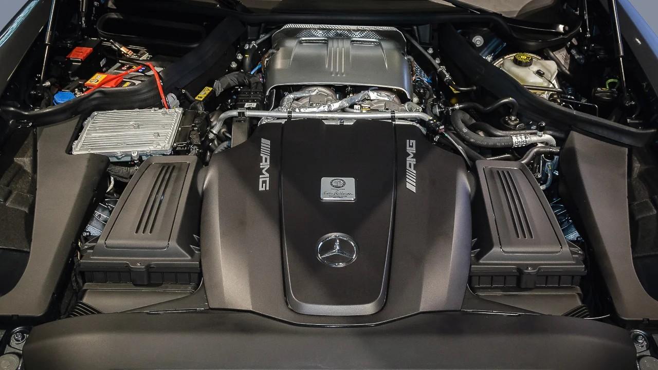 Двигатель Mercedes-Benz AMG M178
