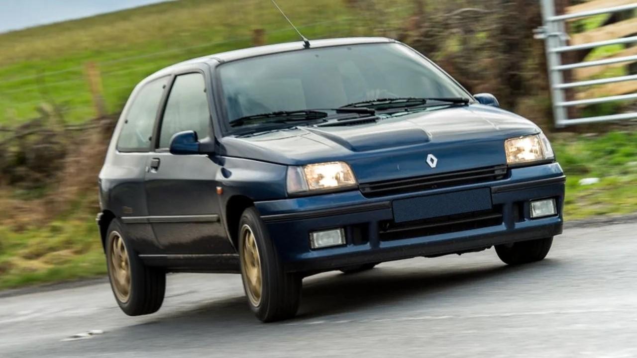 Спортивный хэтчбек Renault Clio Williams