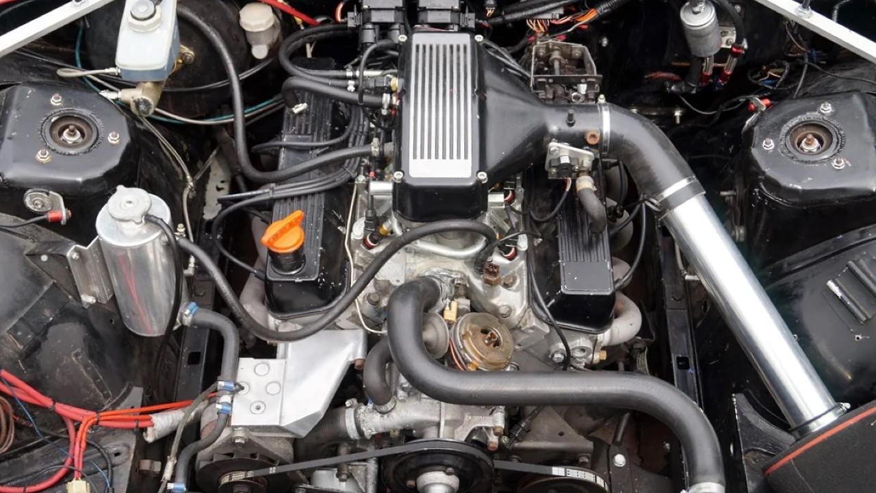 Двигатель Rover V8