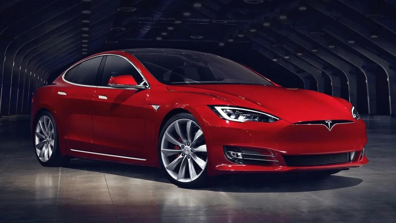 Tesla Model S P100D - 2,28 секунды от 0 до 100 км. / ч.