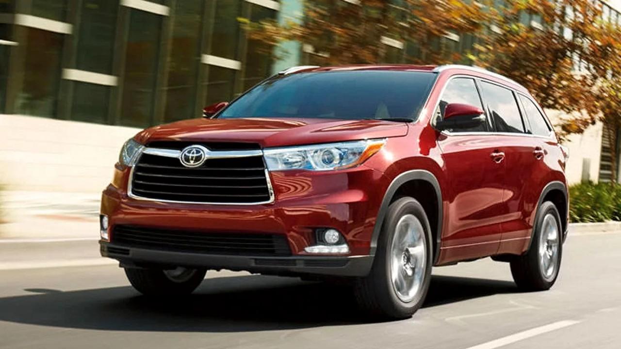 Надёжный среднеразмерный  внедорожник Toyota Highlander
