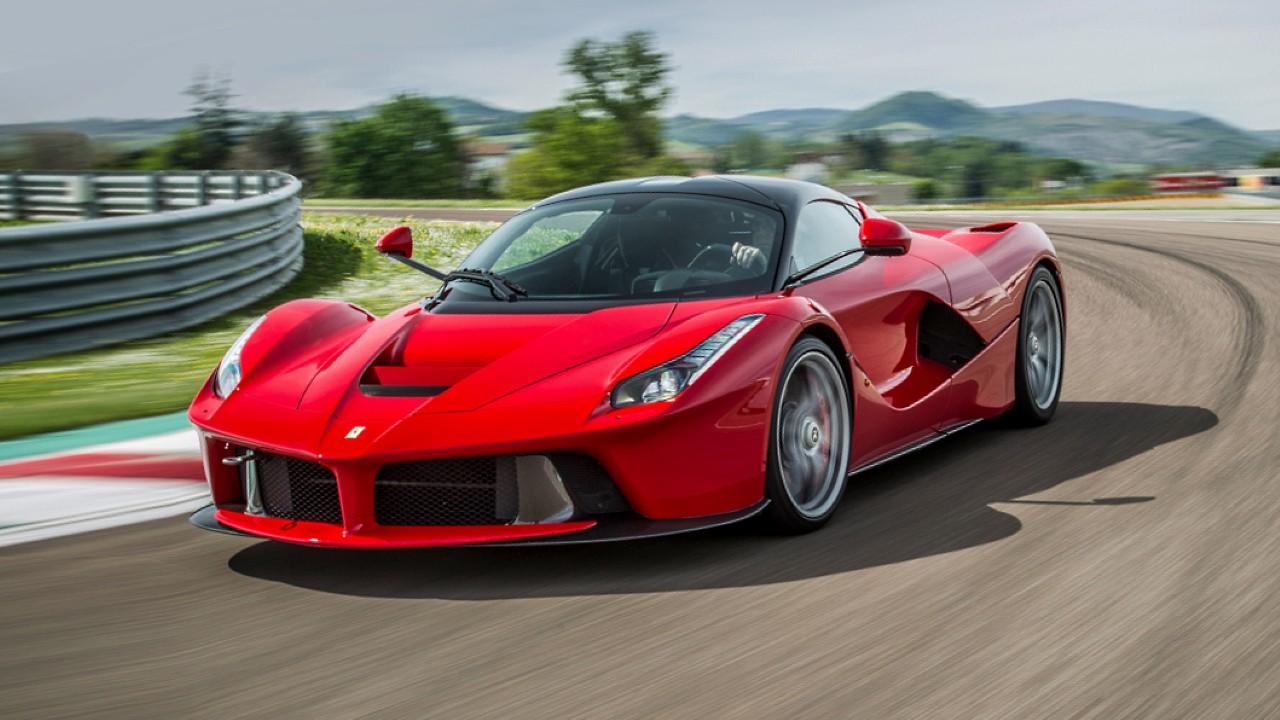 Гибридный автомобиль Ferrari LaFerrari