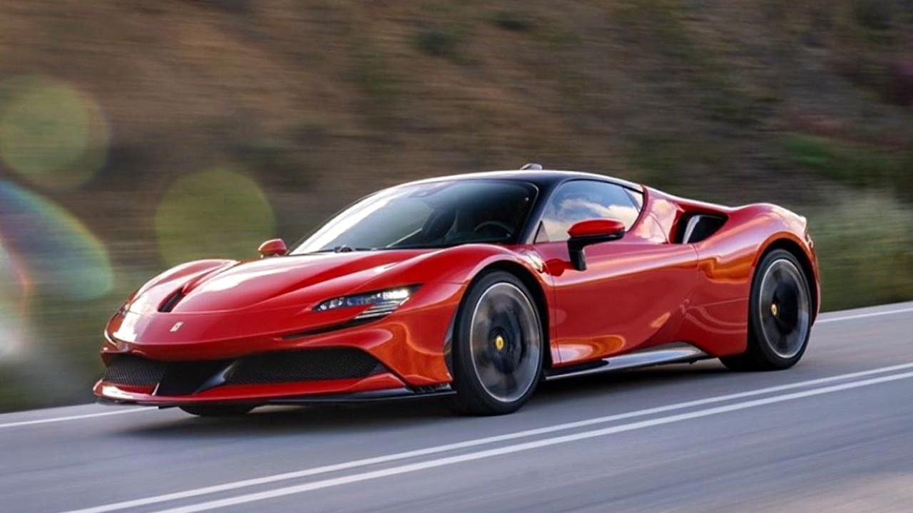 Гибридный автомобиль Ferrari SF90 Stradale