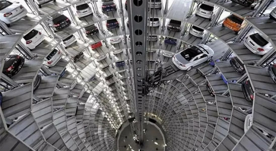 Интересные факты об автомобильных заводах.