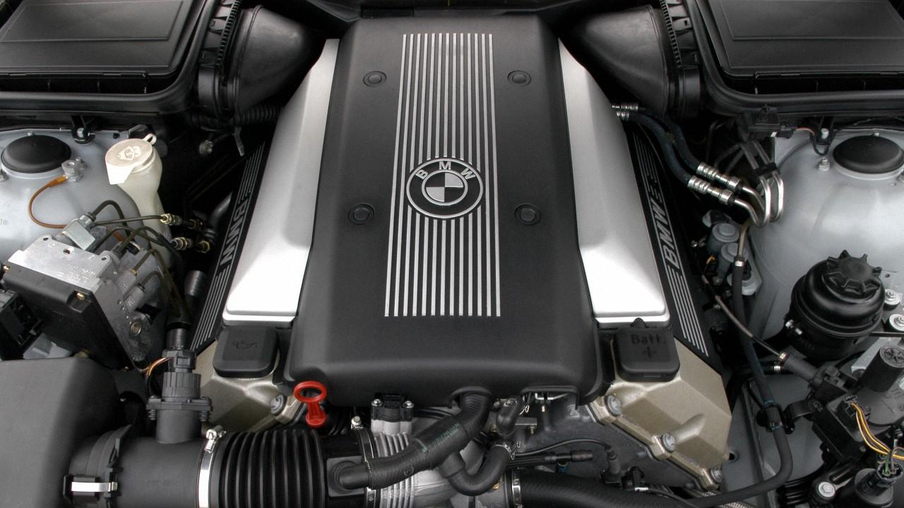 Двигатель БМВ M62B44