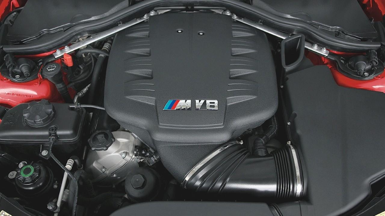 Двигатель БМВ S65B40