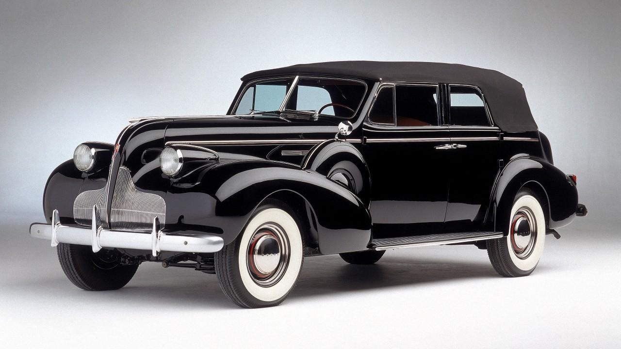 Первый в мире автомобиль с электронными сигналами поворотов Buick Roadmaster