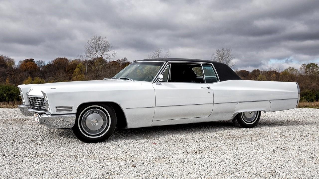 Первый в мире автомобиль оснащённый сидениями с подогревом Cadillac DeVille