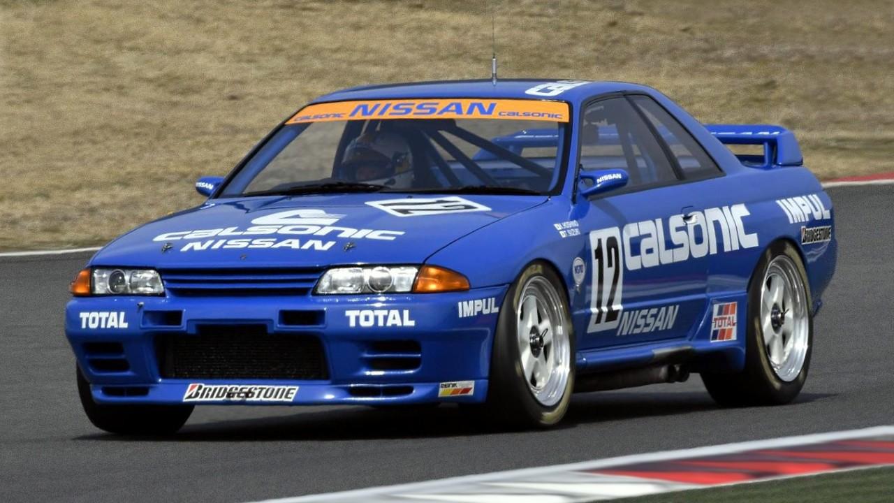 Гоночный автомобиль Calsonic Nissan Skyline GT-R (R32)