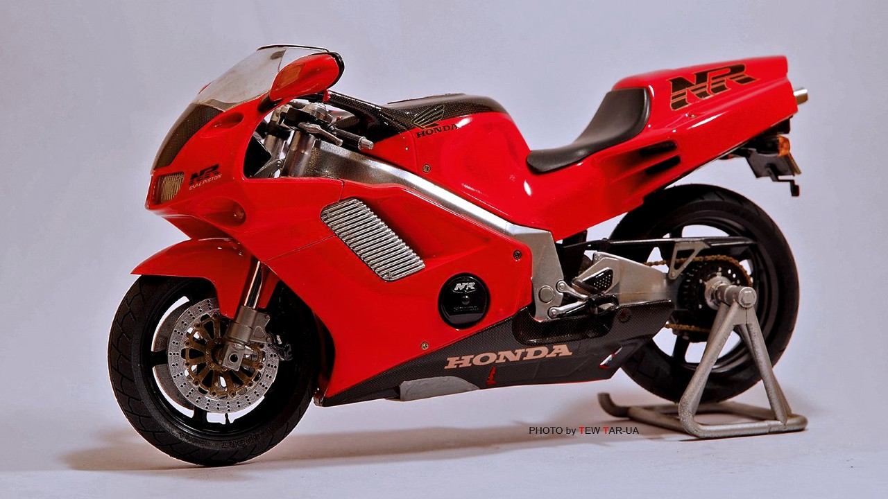 Мотоцикл Honda NR750 с двигателем с овальными поршнями