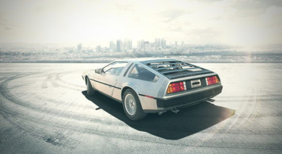 Икона 1980-х DeLorean DMC-12 возвращается!