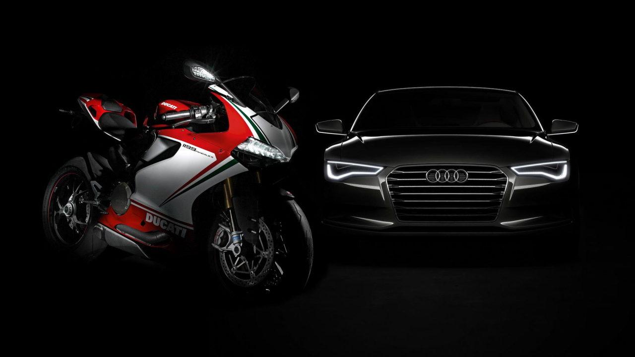 Мотоцикл Ducati и автомобиль Audi A8