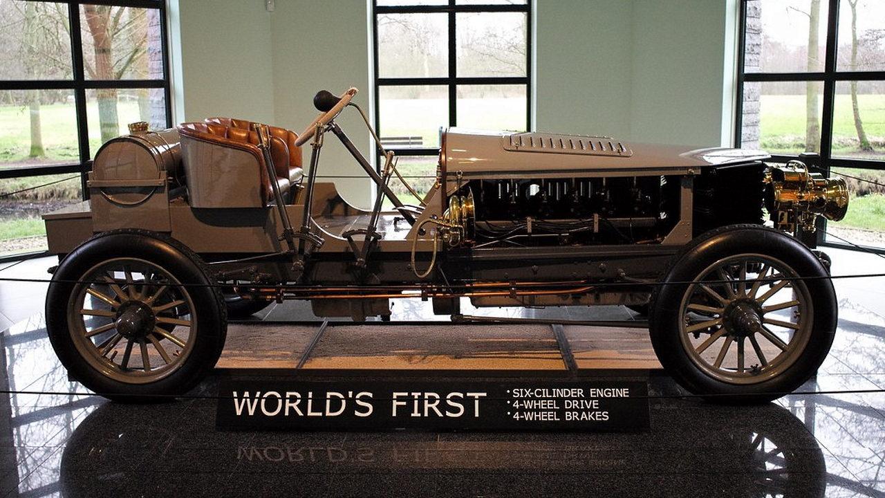 Первый в мире полноприводный автомобиль