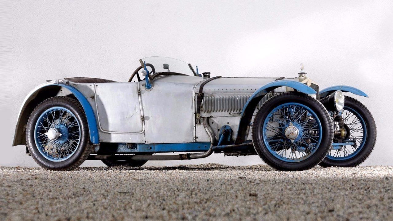 Первый в мире переднеприводный автомобиль