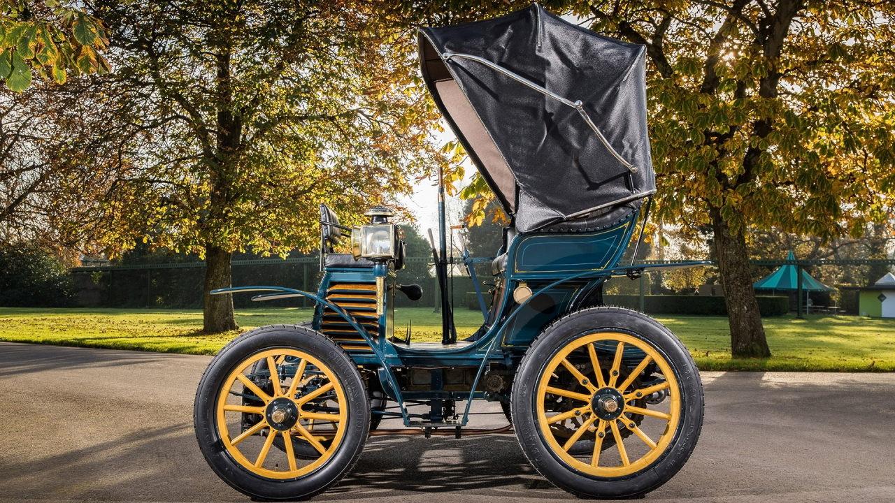 Первый автомобиль Fiat