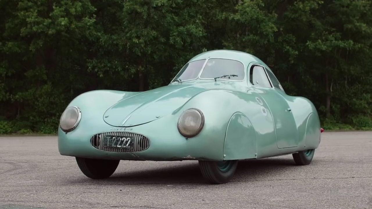 Первый автомобиль Porsche