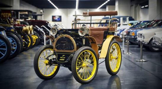 Как выглядели первые автомобили именитых автопроизводителей