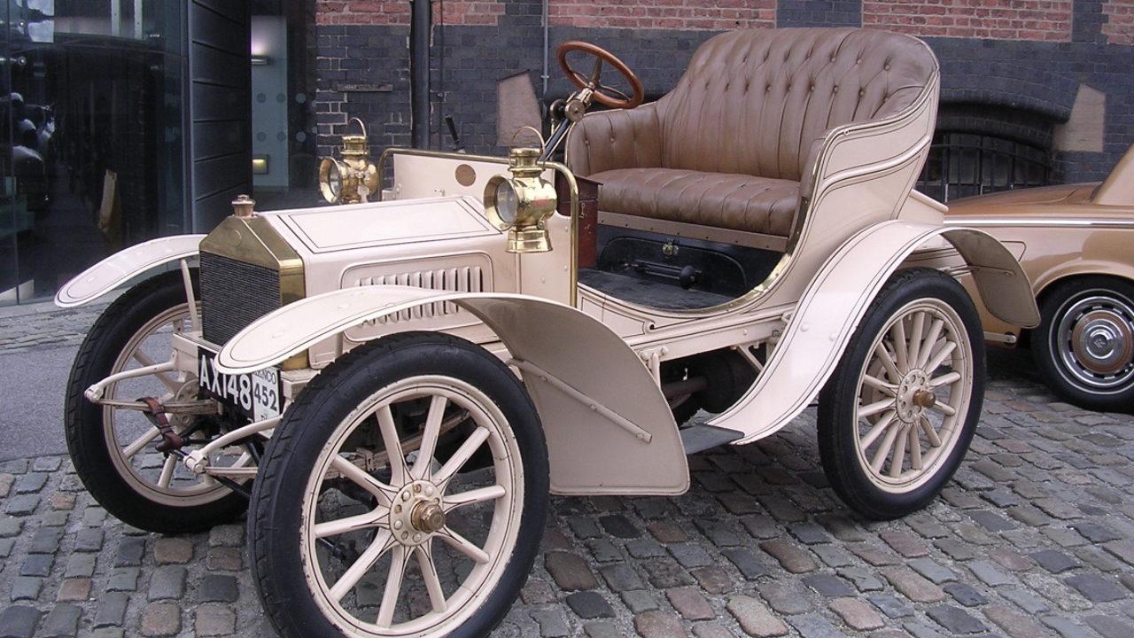 Первый автомобиль Rolls-Royce