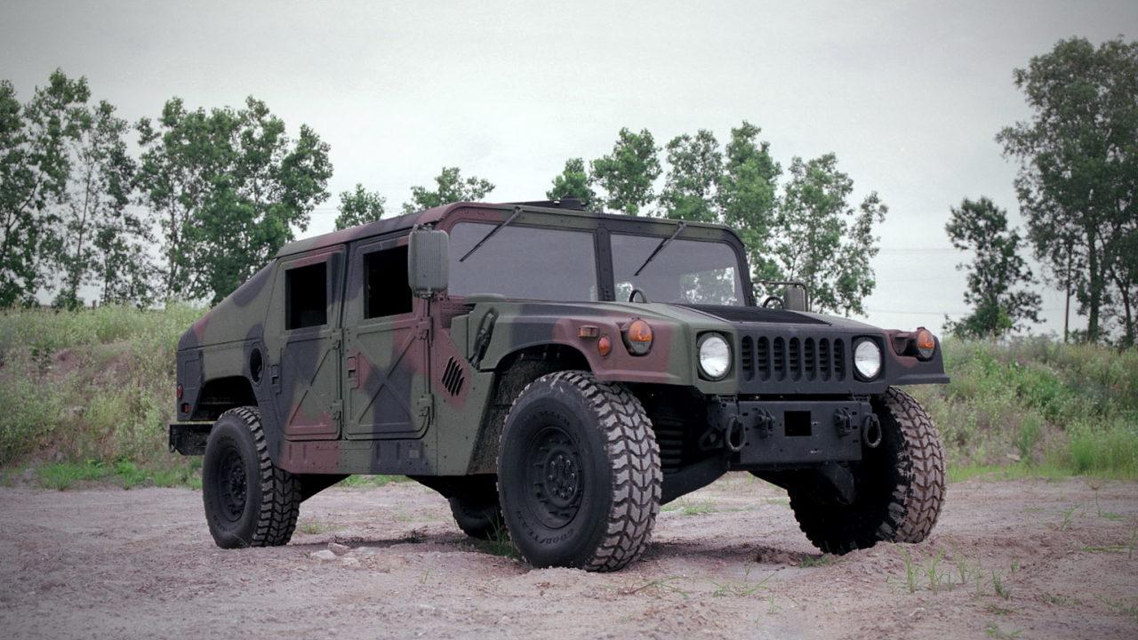 Американский военный внедорожник Hummer H1