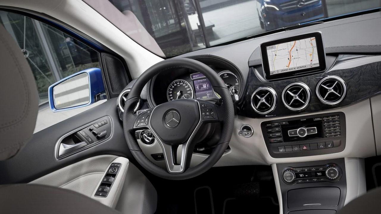 Салон электромобиля Mercedes-Benz