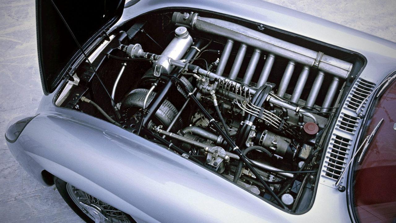 Рядный 8-цилиндровый двигатель