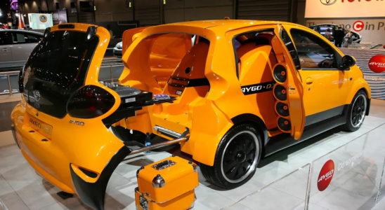 Автомобиль дискотека Toyota Aygo DJ Edition