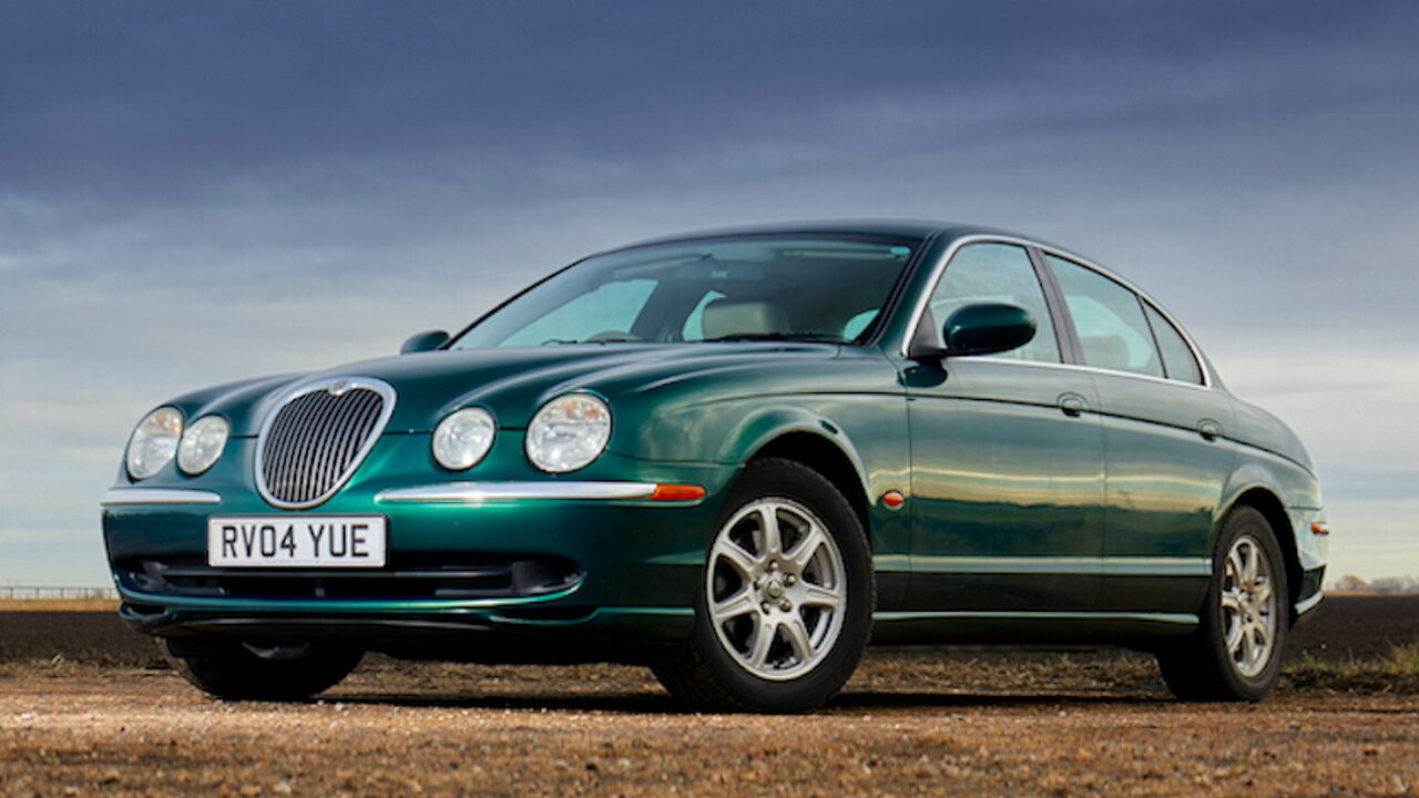 Спортивный седан Jaguar S-Type V8