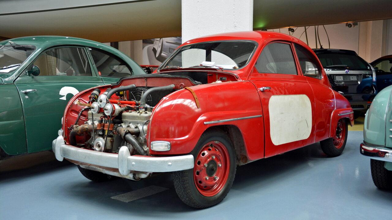 Saab с двумя двигателями