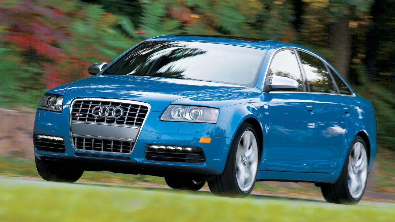 Audi S6 (C6) - первый автомобиль с дневными ходовыми огнями