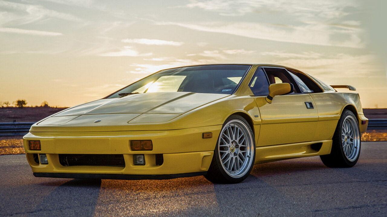 Lotus Espri - последний автомобиль со скрывающимися фарами