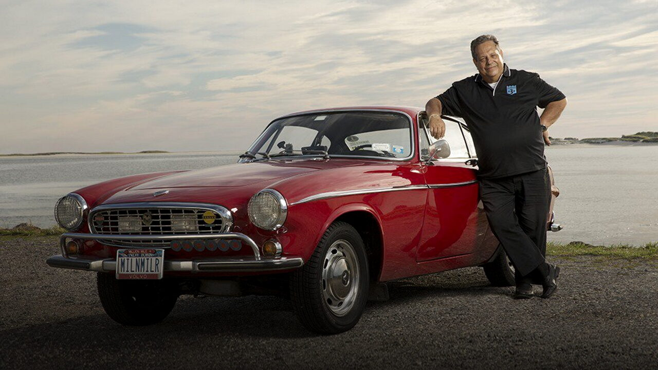 Ирвин Гордон и его автомобиль Volvo P1800 с пробегом 4,8 млн. км.