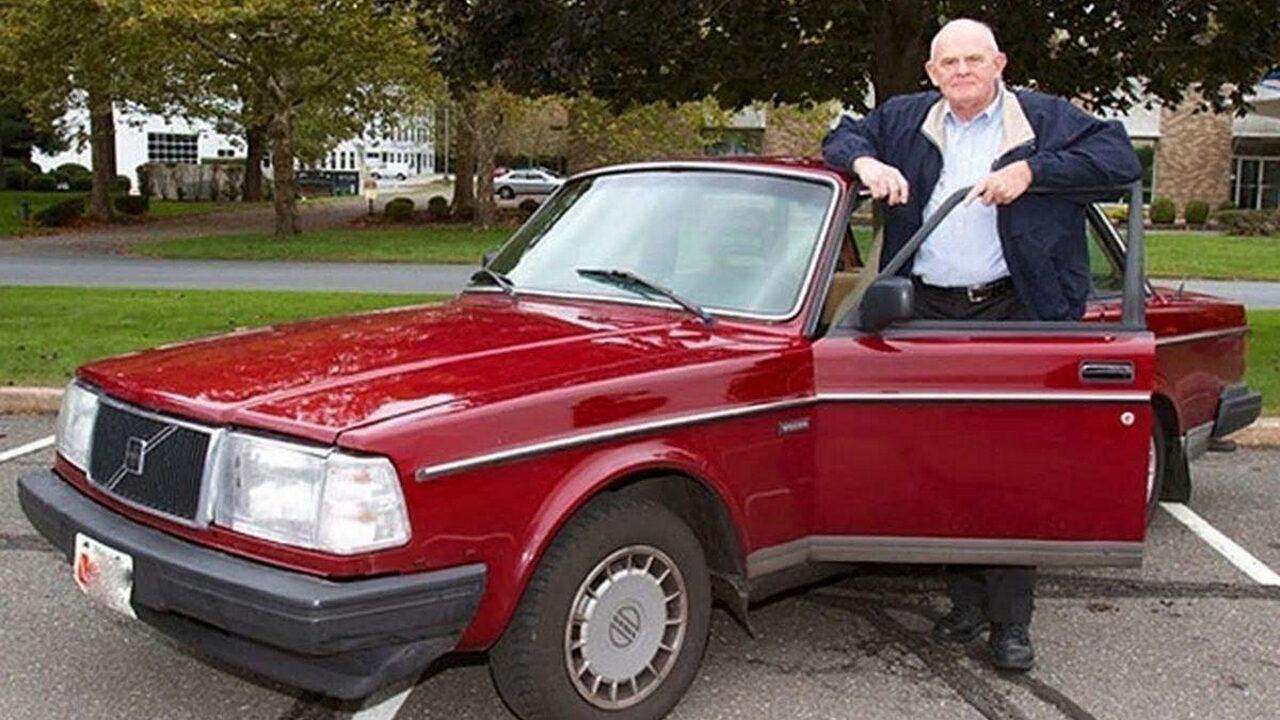 Селден Купер и его автомобиль Volvo 240 с пробегом 1,6 млн. км.