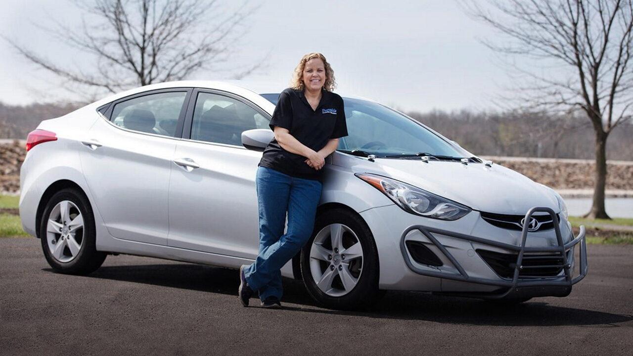 Фара Хейнс и её автомобиль Hyundai Elantra с пробегом 1,6 млн. км.
