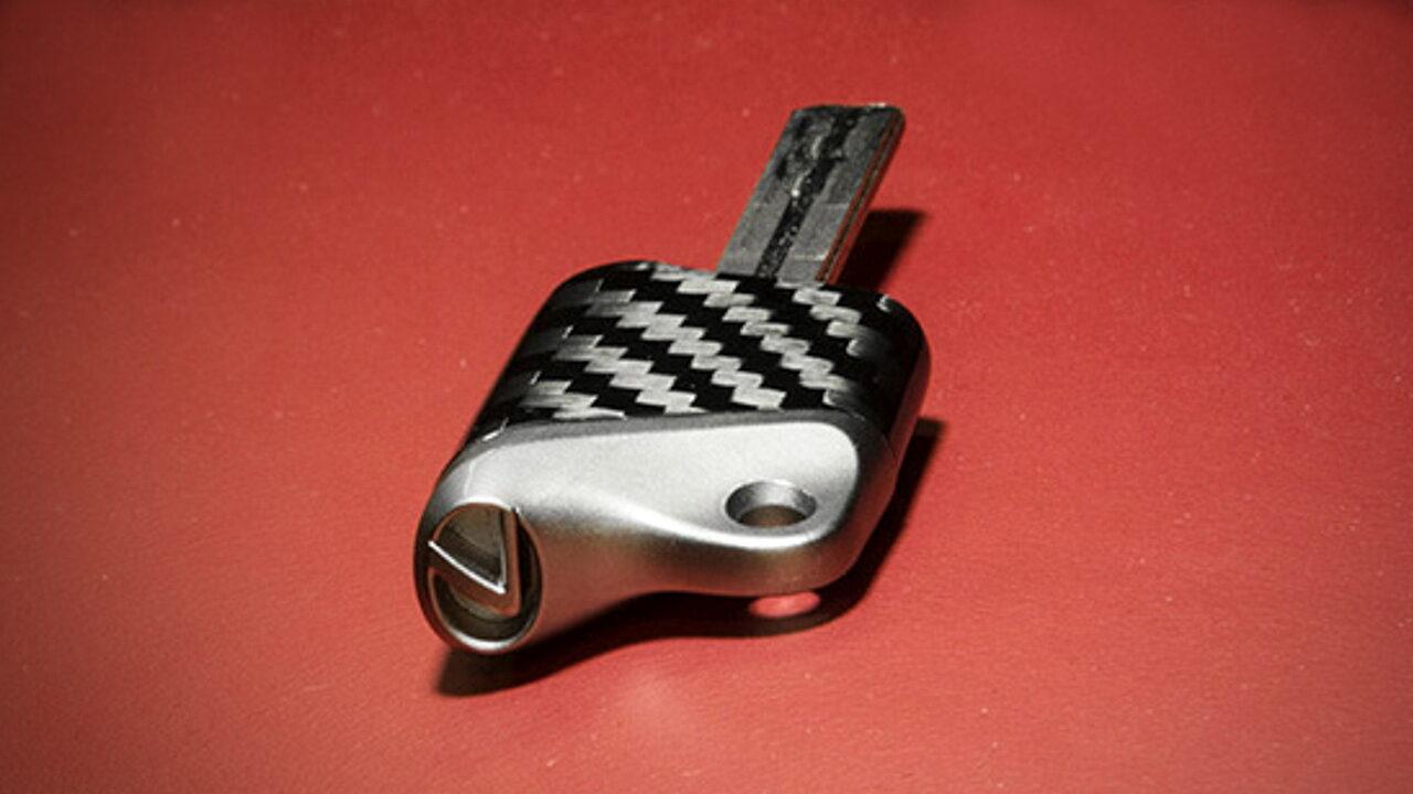 Самые необычные автомобильные ключи в истории