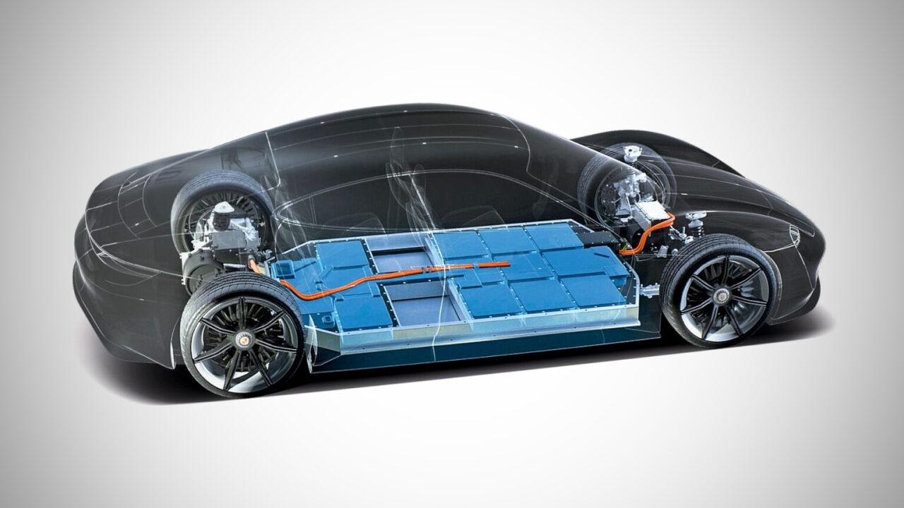Porsche инвестирует в завод по производству высокоэффективных аккумуляторных батарей