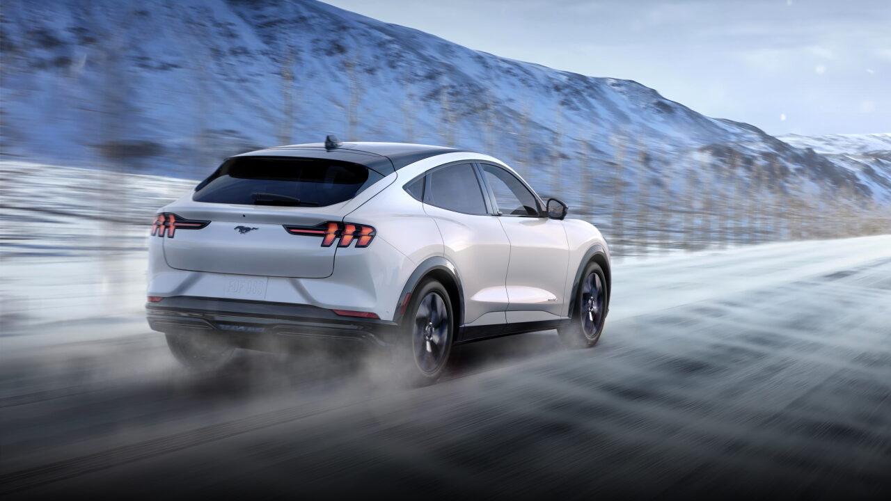 В Норвегии Ford Mustang Mach-E перегреваются