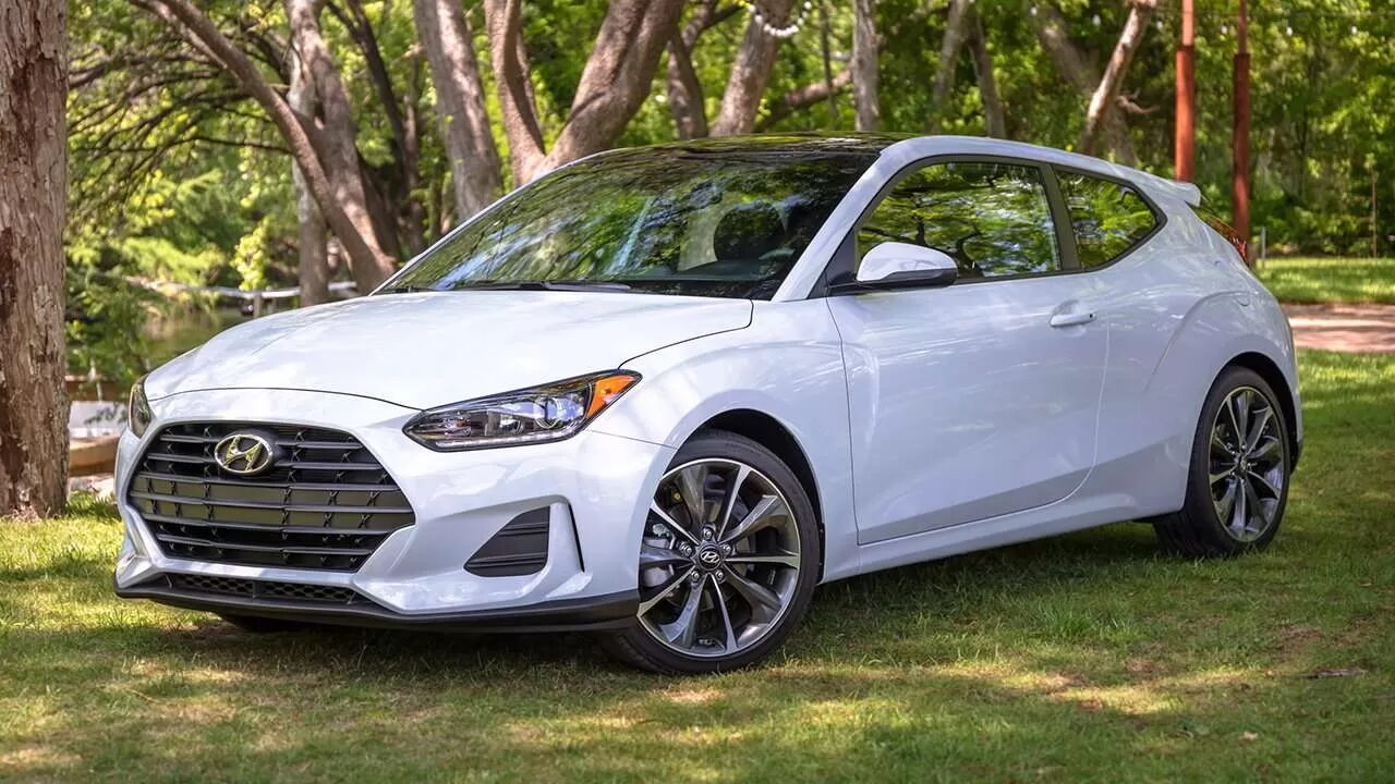 Названы лучшие автомобили для начинающих водителей