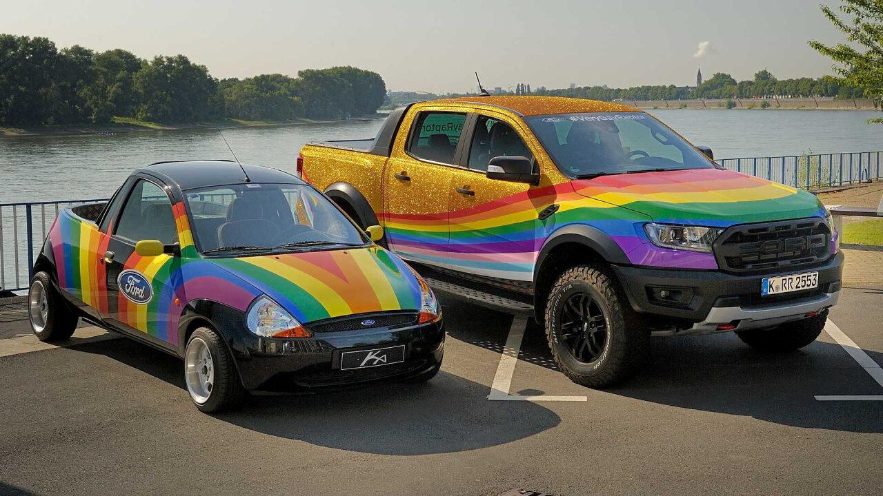 На дискриминацию сексуальных меньшинств Ford ответил радужным пикапом