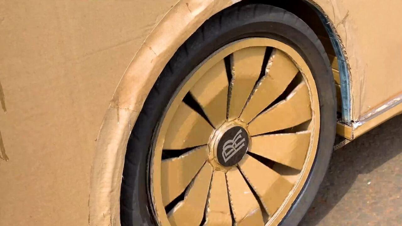 Блогер сделал Rolls-Royce Boat Tail из картона